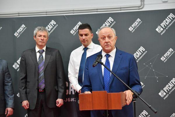 Саратовский губернатор стремительно теряет остатки своего авторитета